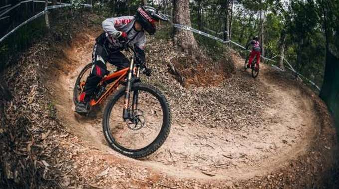 Thumb small rectangle uci cairns 2016 claudio caluori course preview run